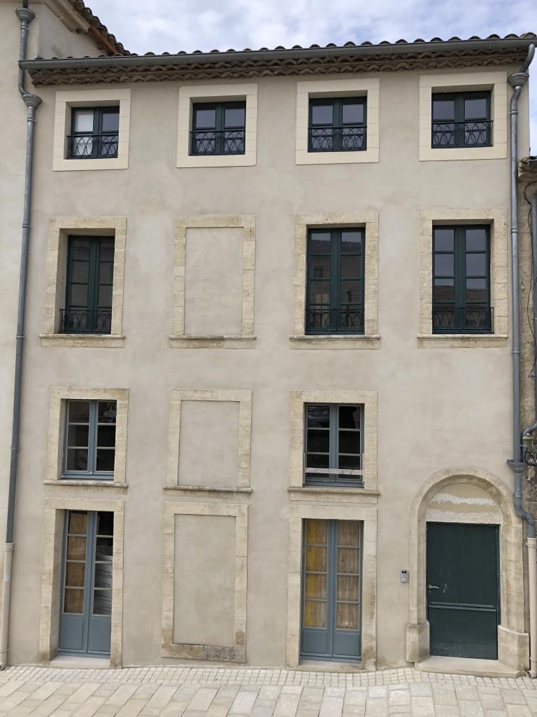 Location appartement entre particulier Arpaillargues-et-Aureillac, de 120m² pour ce appartement