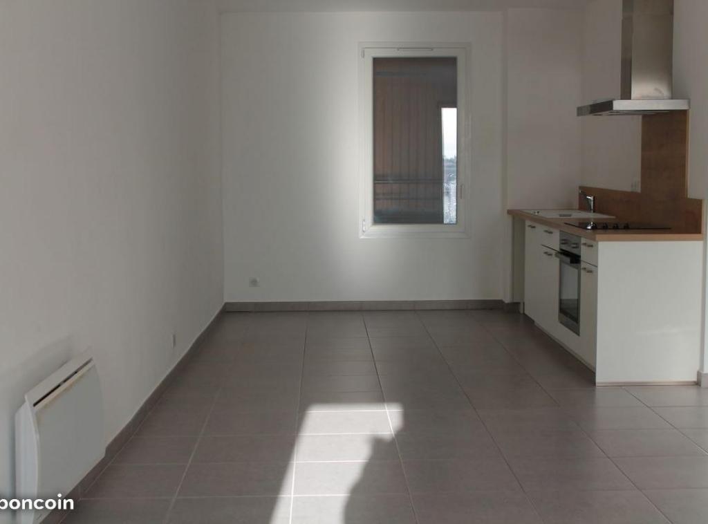 Location particulier Combaillaux, appartement, de 84m²
