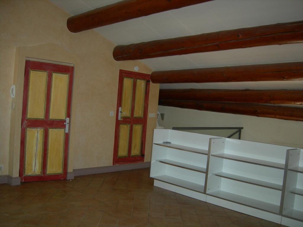 De particulier à particulier, maison, de 84m² à Villeneuve-lès-Avignon
