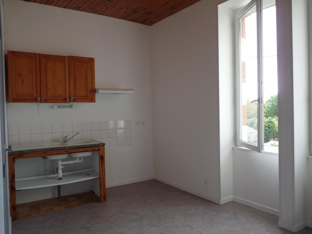 Location appartement entre particulier Beaugeay, de 17m² pour ce studio