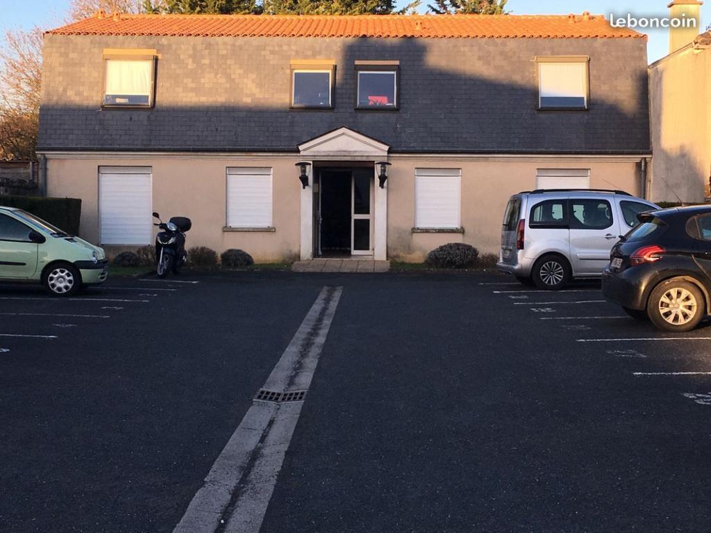 Entre particulier , studio, de 20m² à Poitiers