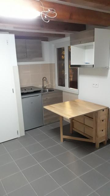 location studio strasbourg de particulier particulier. Black Bedroom Furniture Sets. Home Design Ideas