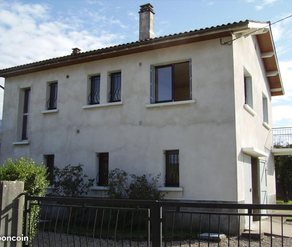Entre particulier à Saint-Aupre, maison, de 135m² à Saint-Aupre