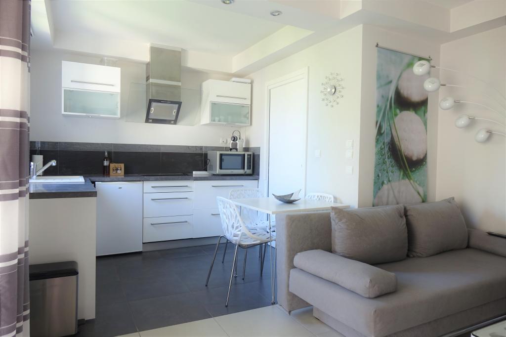 De particulier à particulier Adrets-de-l'Estérel, appartement studio de 28m²