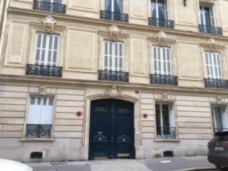 Entre particulier , studio, de 25m² à Paris 08