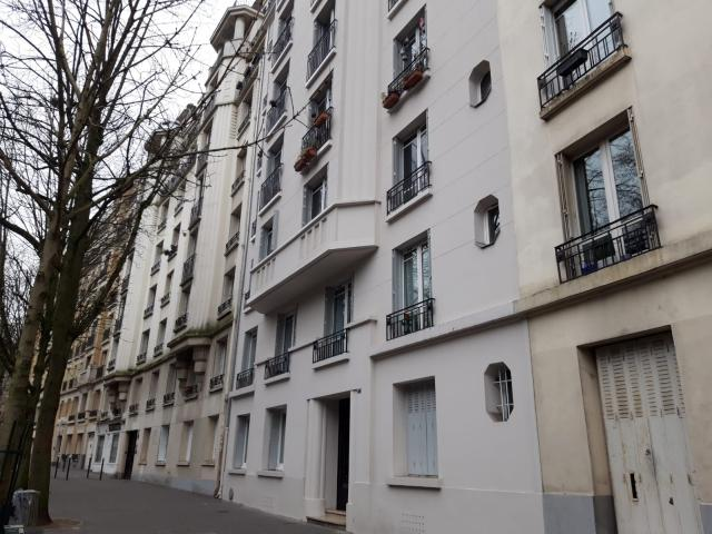 Location Studio Avec Cuisine équipée à Paris 19 850 23 M²
