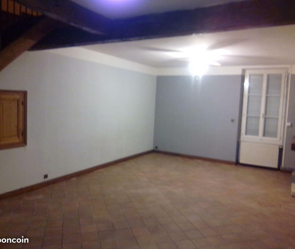Particulier location Magnac-sur-Touvre, maison, de 130m²
