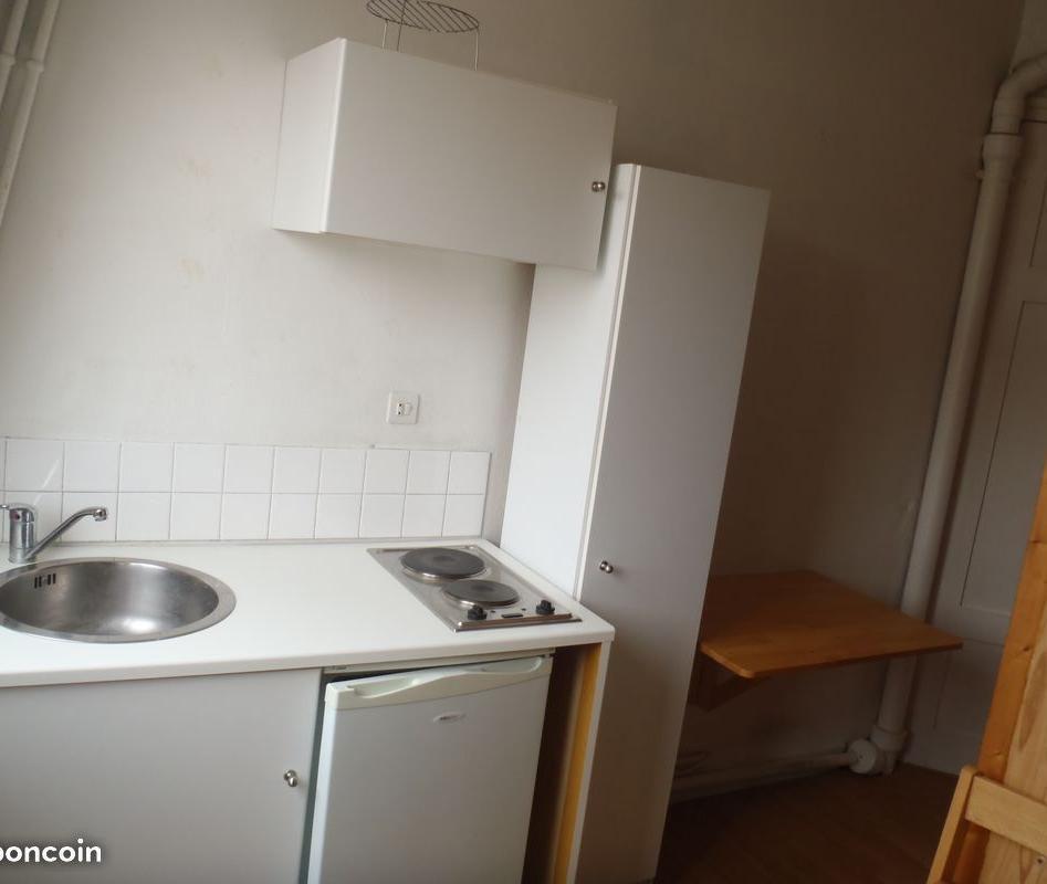 De particulier à particulier, chambre à Paris 16, 10m²
