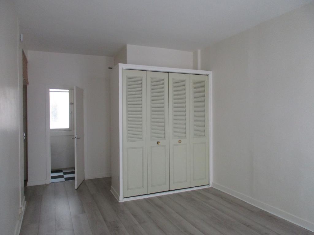 Location de particulier à particulier à Paris 05, appartement studio de 26m²