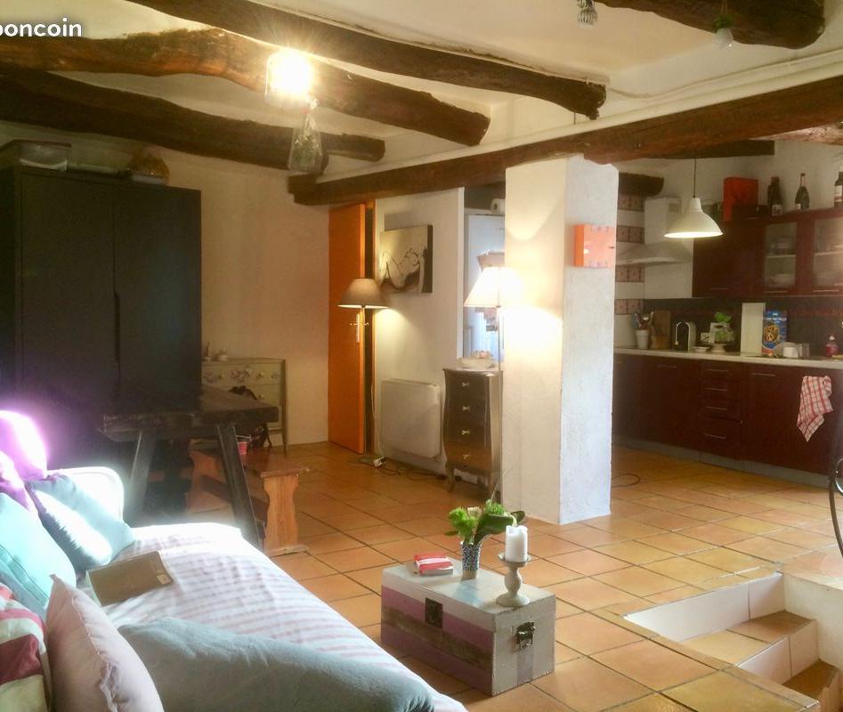Entre particulier à Évenos, appartement, de 60m² à Évenos