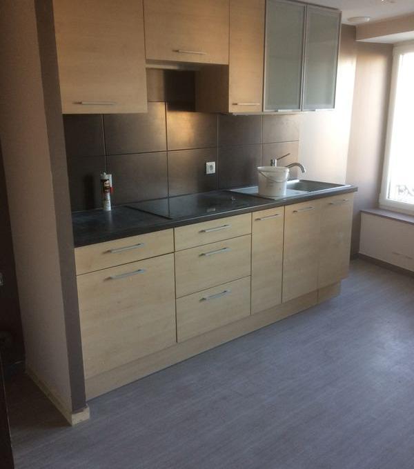 Appartement particulier à Équeurdreville-Hainneville, %type de 75m²