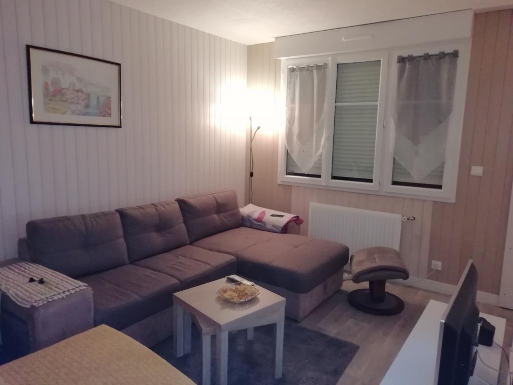 Appartement particulier à Buc, %type de 32m²