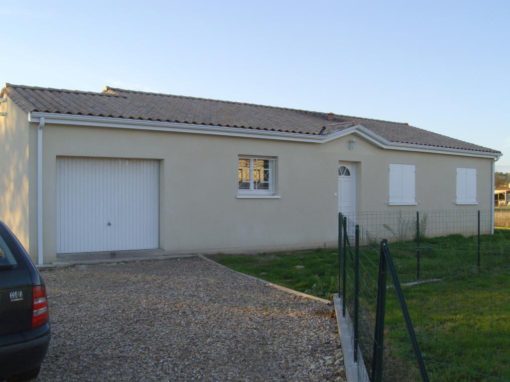 Location particulier à particulier, maison à Saint-Barthélemy-de-Bellegarde, 93m²