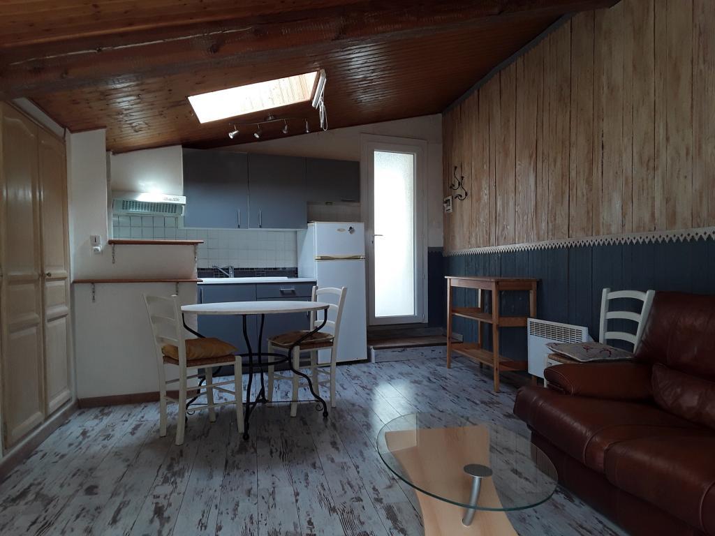 Entre particulier à Lagnes, appartement, de 30m² à Lagnes