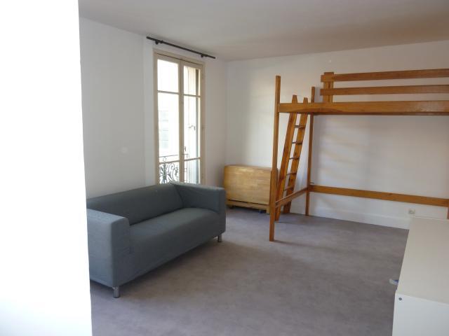 location studio meublé avec cuisine équipée à paris 14 - 975 € - 25 m²