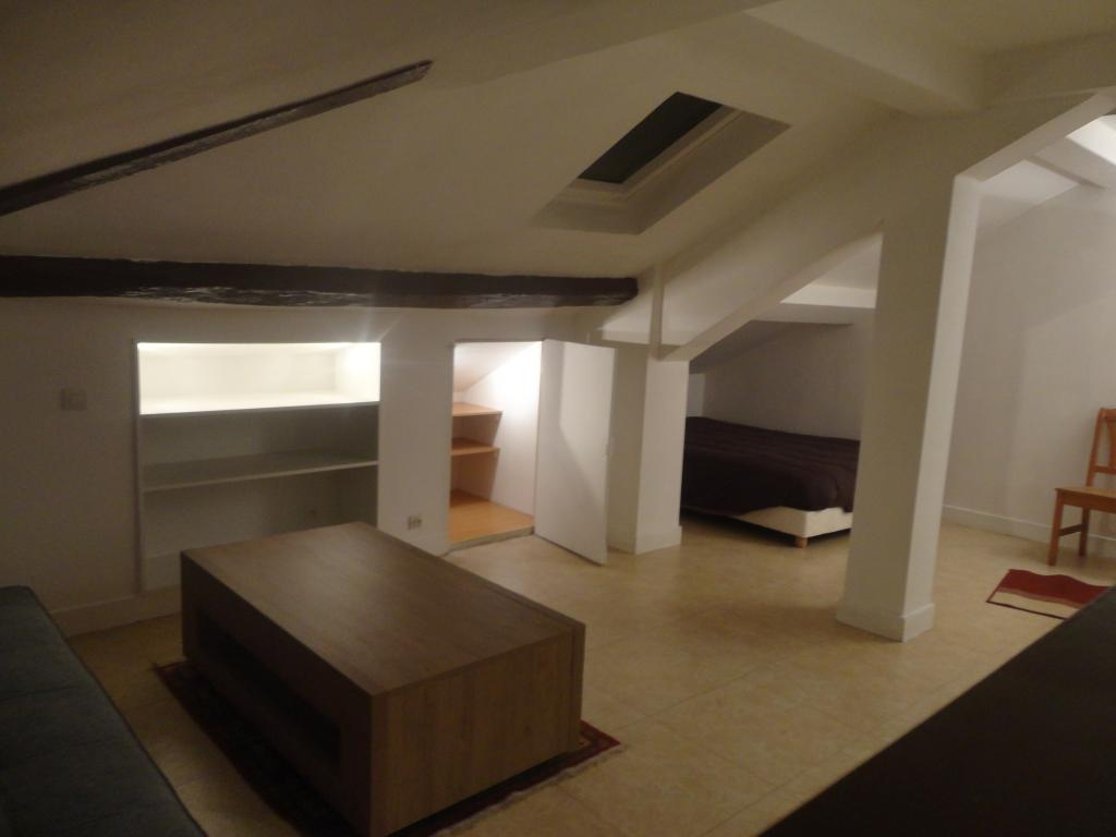 De particulier à particulier Saint-Denis, appartement studio de 24m²
