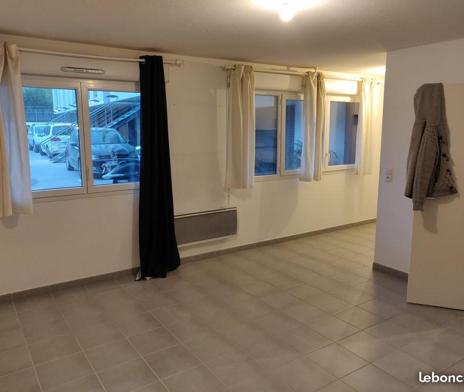 Location de particulier à particulier à La Seyne-sur-Mer, appartement studio de 30m²