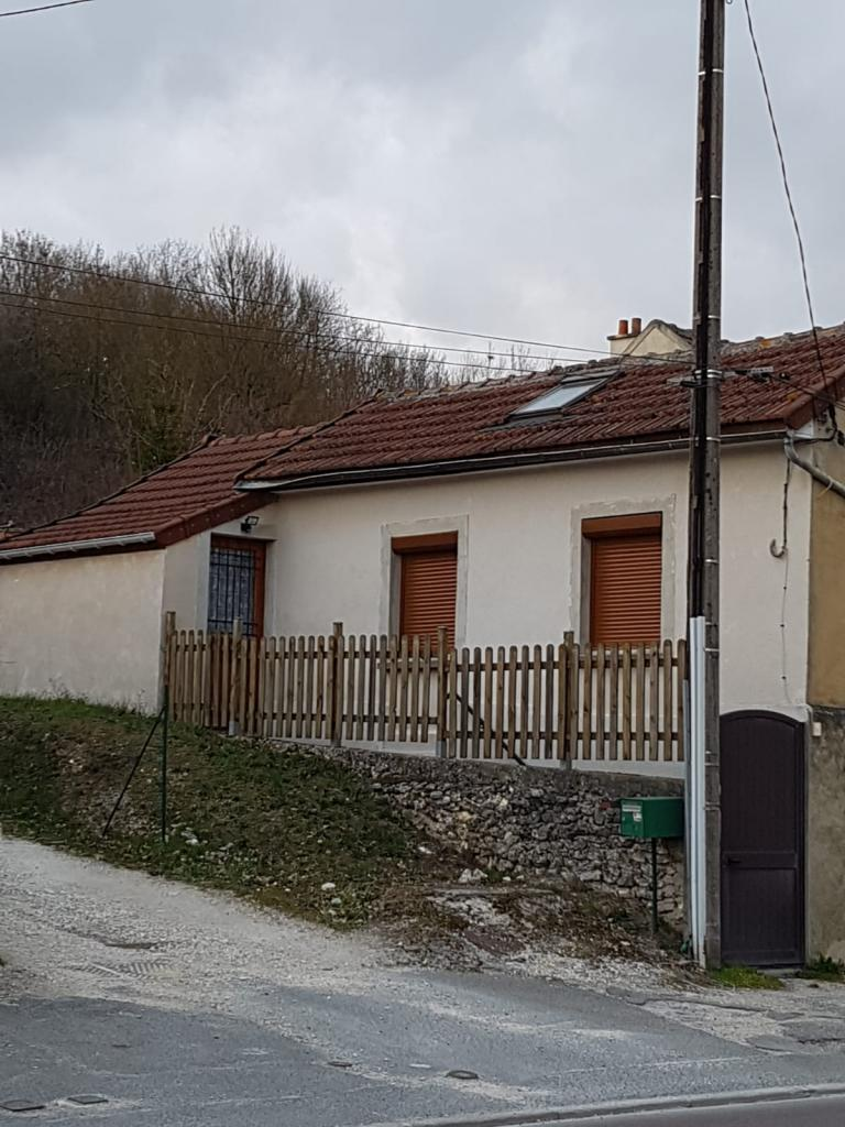 Entre particulier , maison, de 48m² à Saint-Hilliers
