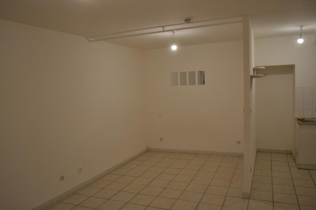 Particulier location, studio, de 35m² à Angoulême