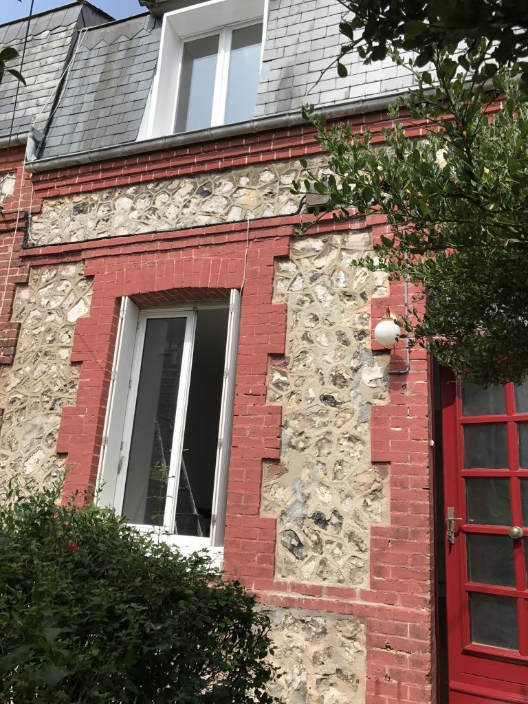 De particulier à particulier, maison, de 50m² à Tourville-les-Ifs