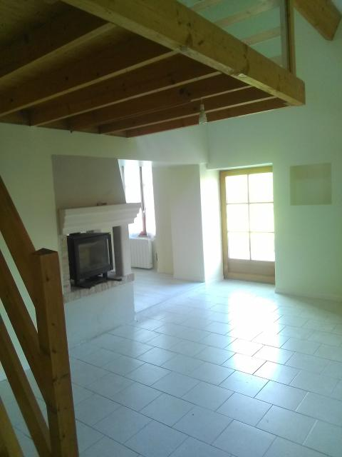 Location maison F4 St Georges sur Loire - Photo 1