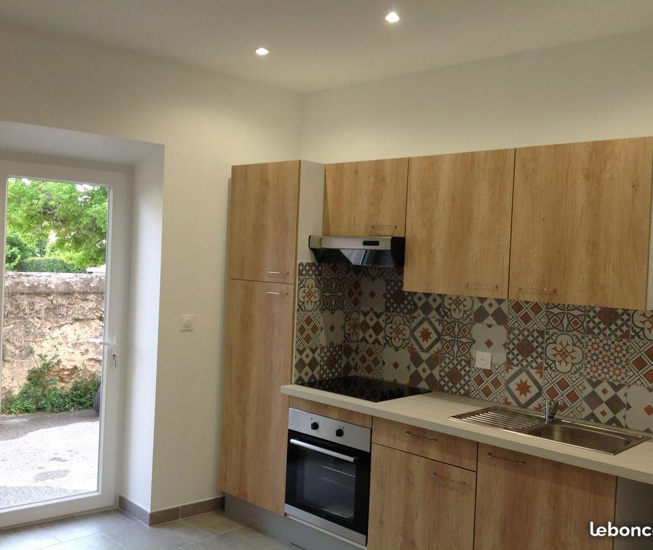 Location appartement entre particulier Marseille 11, de 26m² pour ce studio