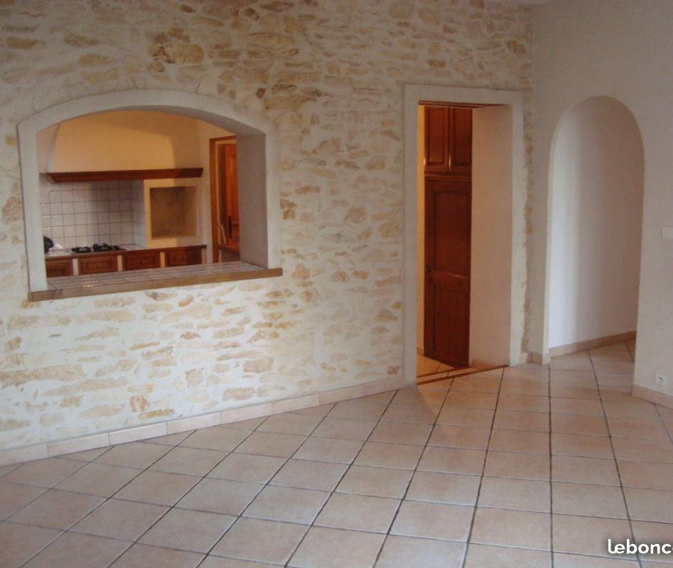 Location de particulier à particulier, appartement, de 90m² à La Fare-les-Oliviers