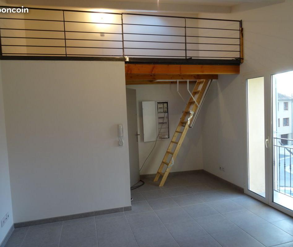 Location appartement entre particulier Camaret-sur-Aigues, de 24m² pour ce studio