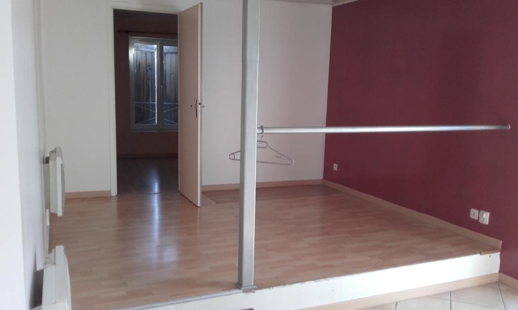 Particulier location, appartement, de 41m² à Oytier-Saint-Oblas