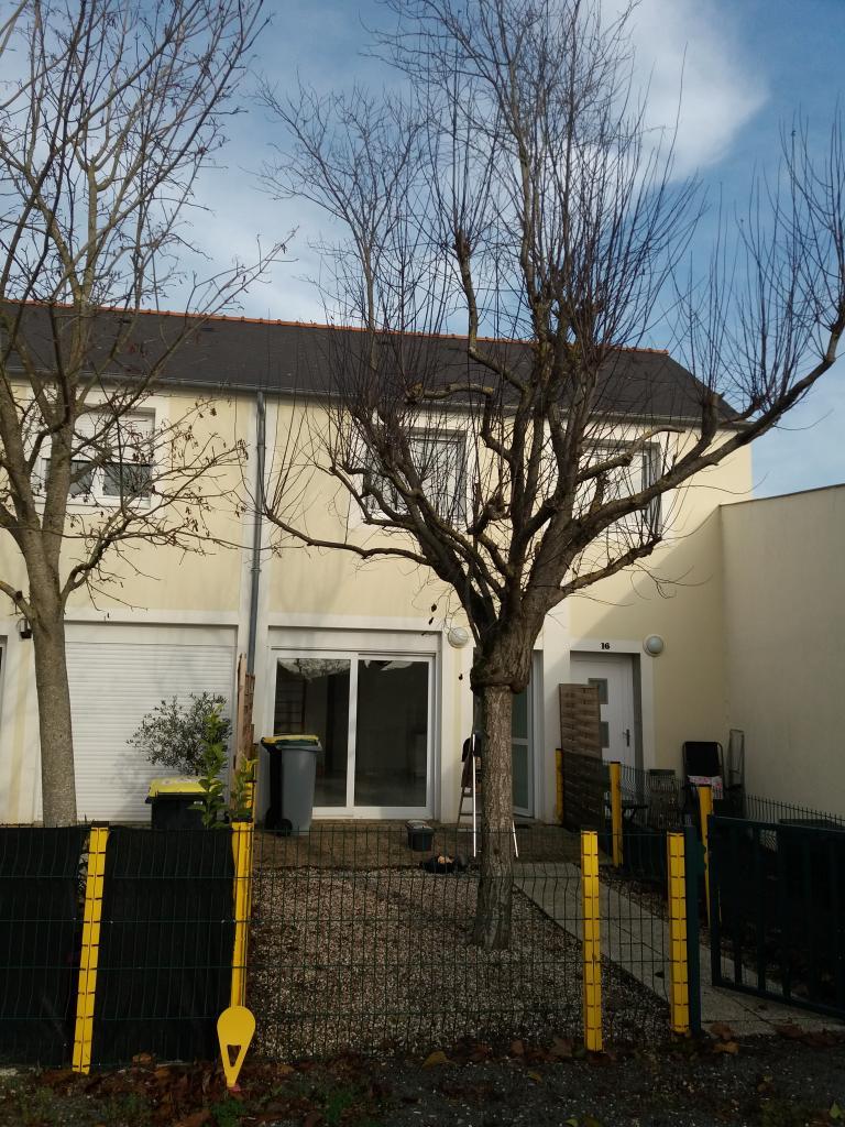 De particulier à particulier Montreuil-Juigné, appartement maison de 65m²