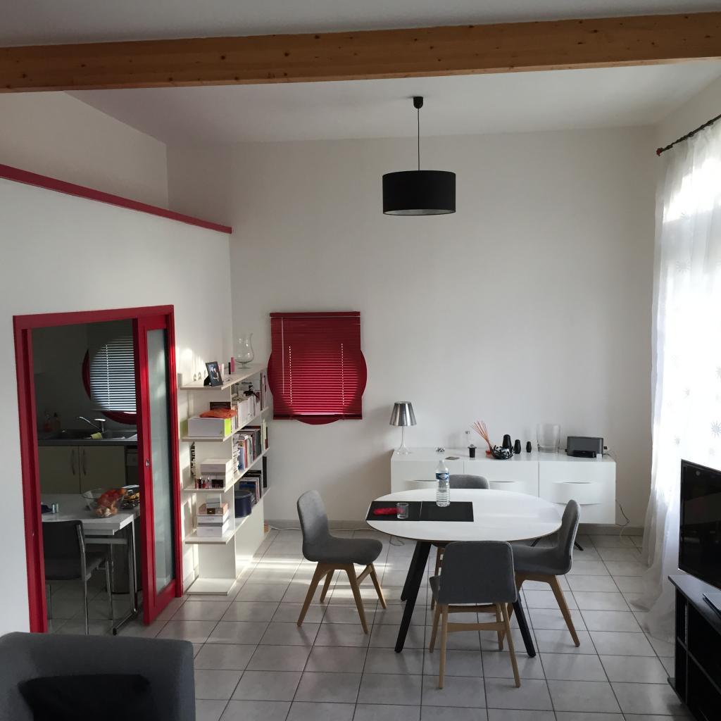 De particulier à particulier , appartement, de 108m² à Vœuil-et-Giget