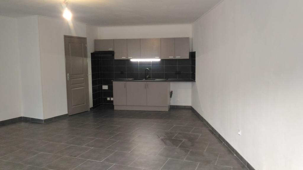Appartement particulier, maison, de 80m² à Montady