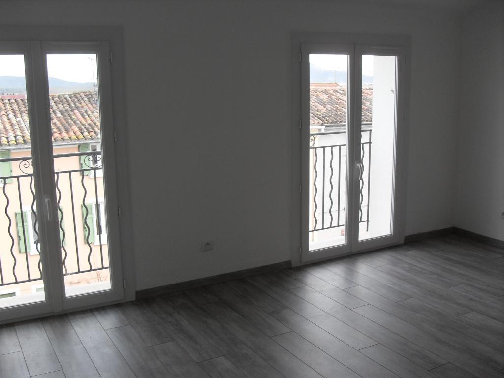 Location appartement entre particulier Solliès-Toucas, appartement de 60m²