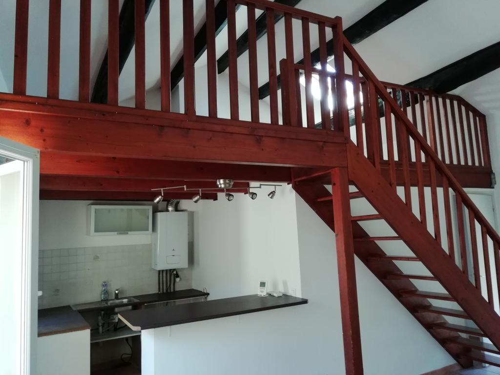 Appartement particulier à Connaux, %type de 63m²
