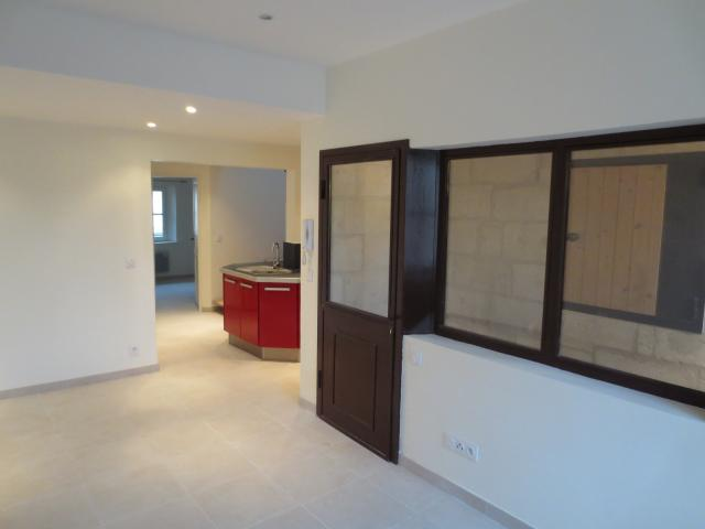 Location appartement T4 Beaucaire - Photo 1