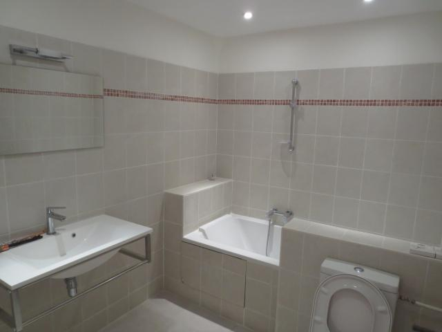Location appartement T4 Beaucaire - Photo 2