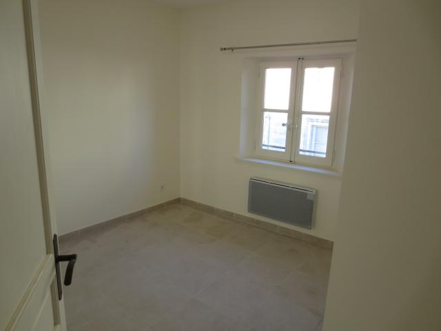 Location appartement T4 Beaucaire - Photo 4