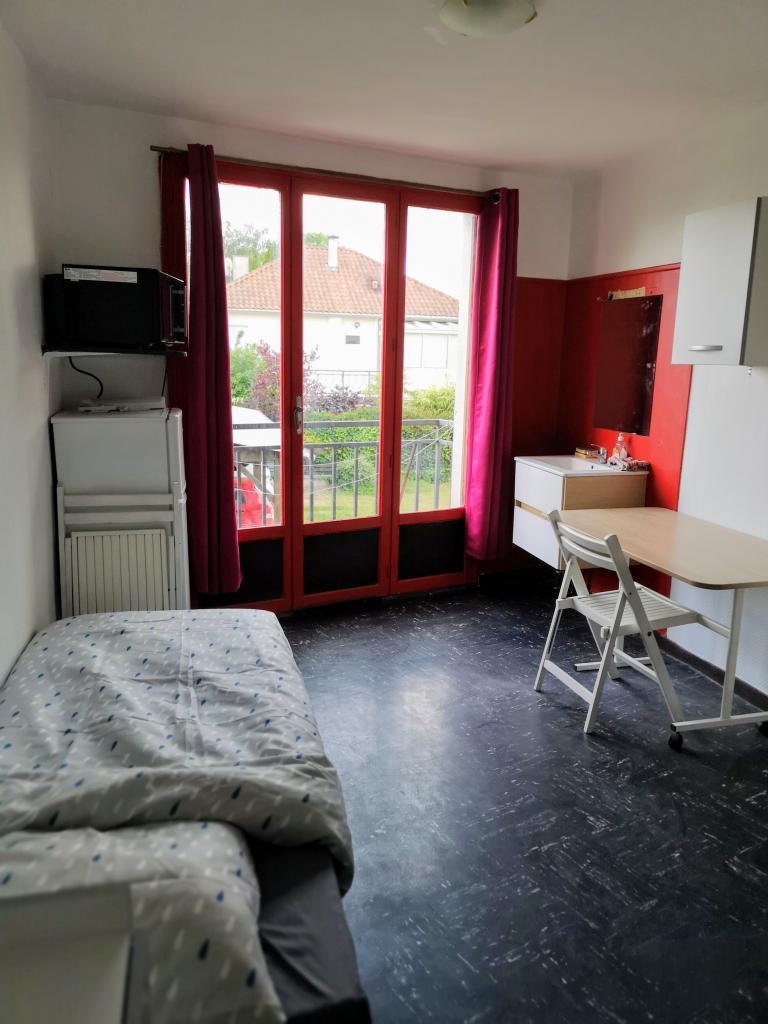 Entre particulier , chambre, de 14m² à Poitiers