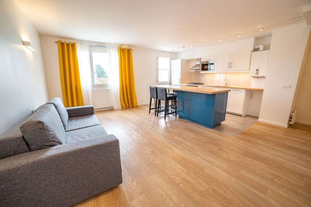 Location particulier à particulier, appartement, de 70m² à Vaux-le-Pénil