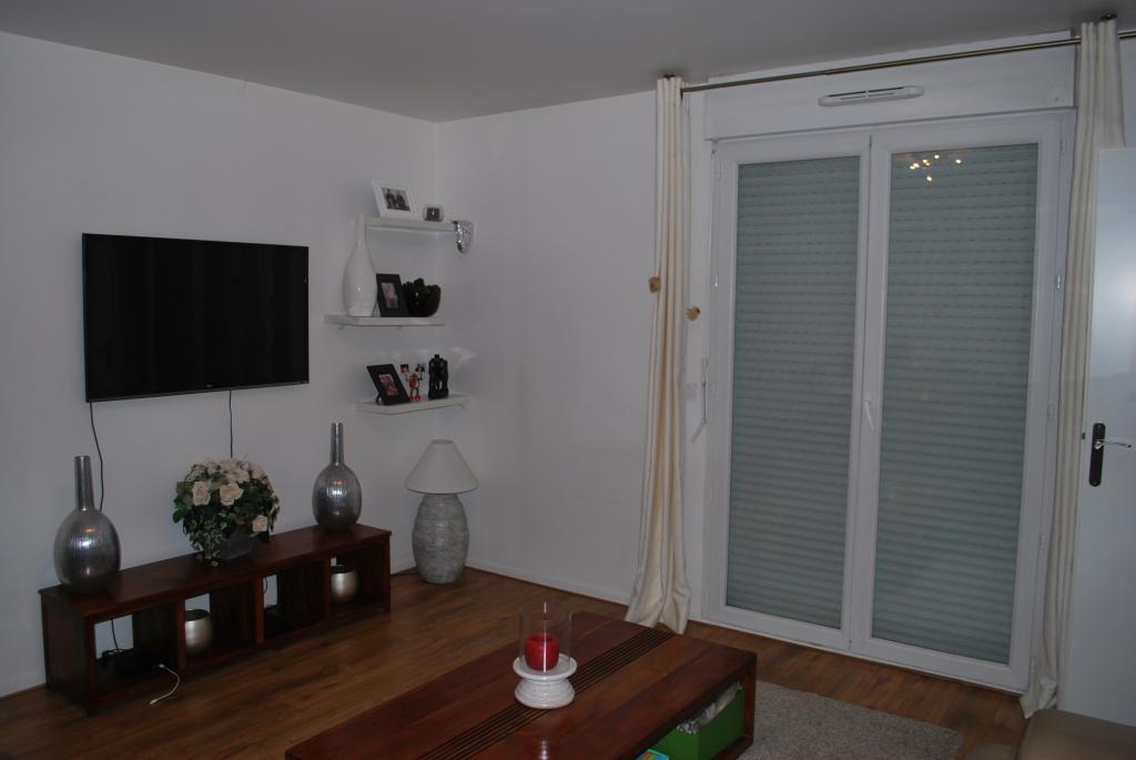 Appartement particulier à Carnetin, %type de 50m²
