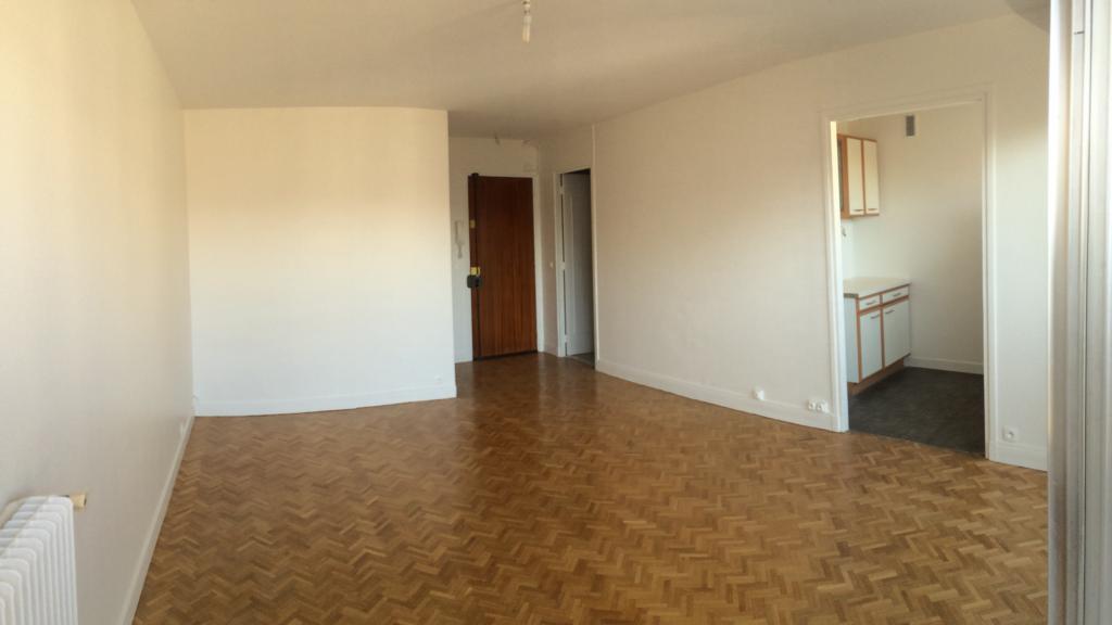 Appartement particulier, studio, de 31m² à Vanves