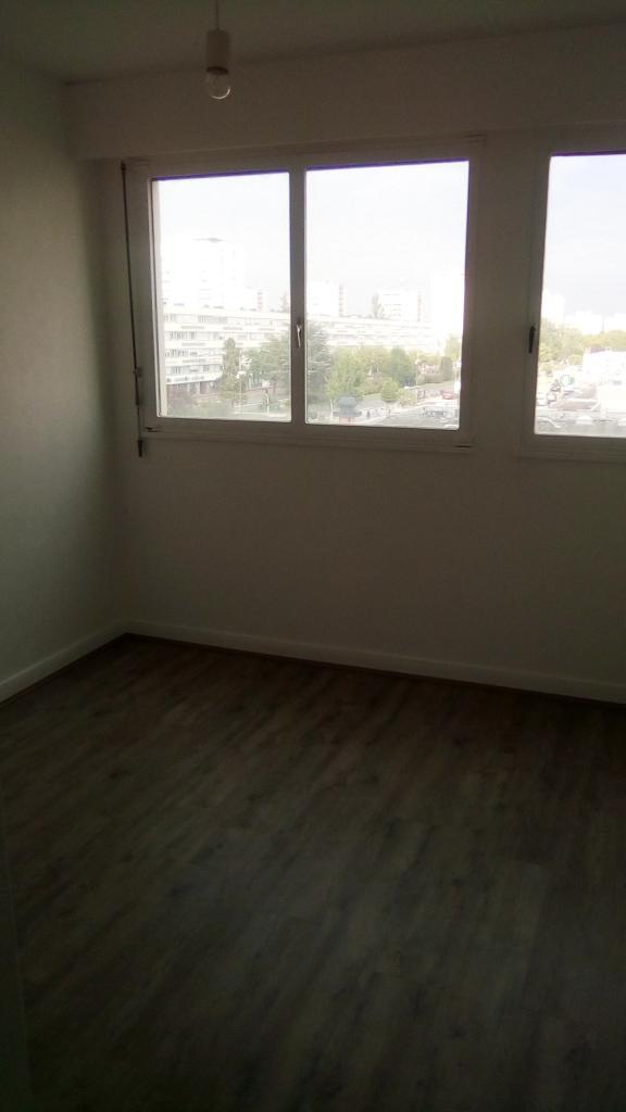 Appartement particulier à Poitiers, %type de 13m²