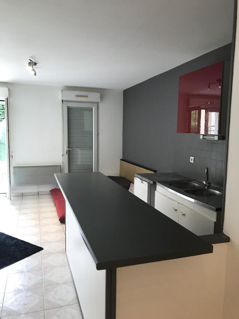 Location immobilière par particulier, Pontault-Combault, type studio, 30m²