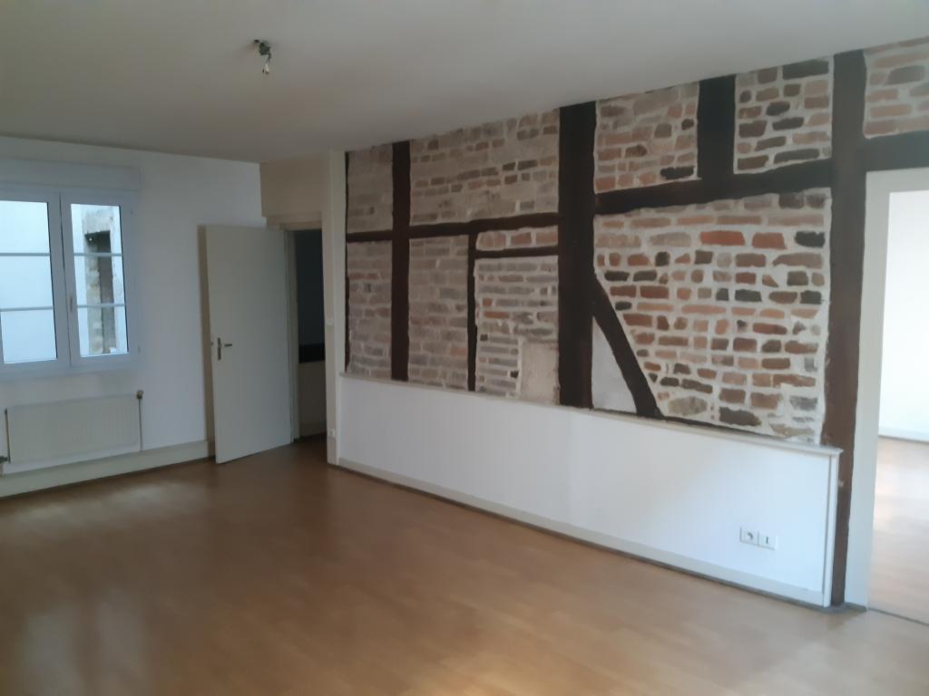 Particulier location Bourg-en-Bresse, appartement, de 84m²