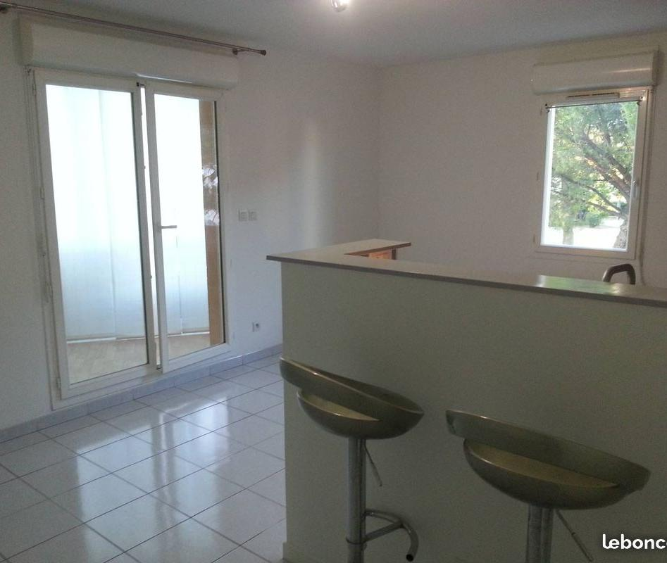 Entre particulier , appartement, de 42m² à Miramas