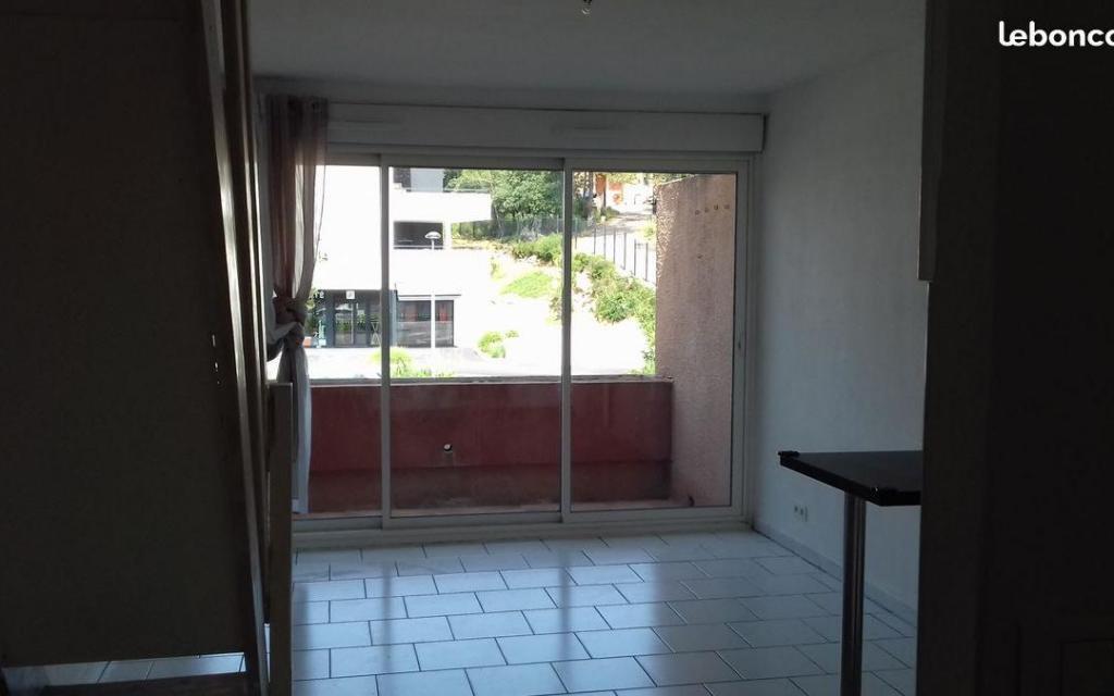 Location de particulier à particulier, appartement, de 24m² à Combaillaux