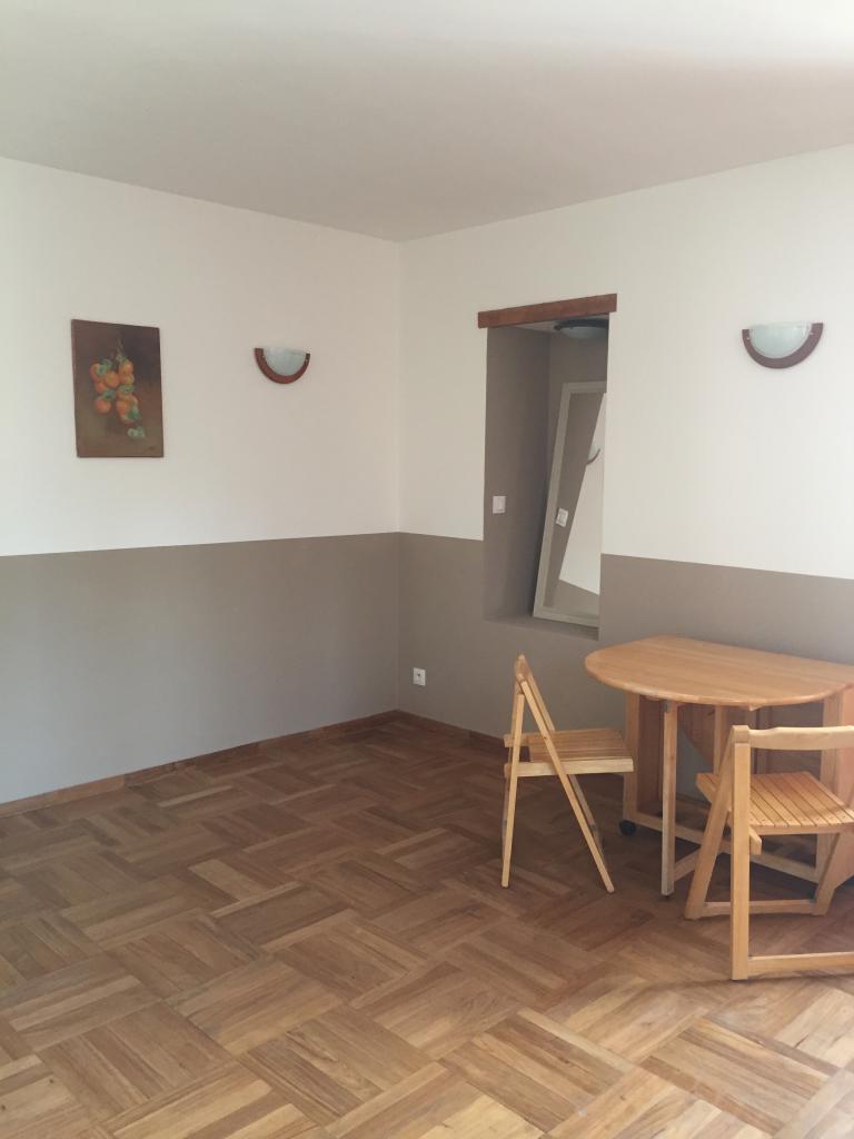 Location particulier Uchaux, appartement, de 35m²