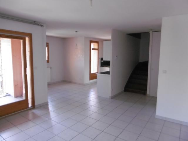 Location appartement T4 Boege - Photo 1