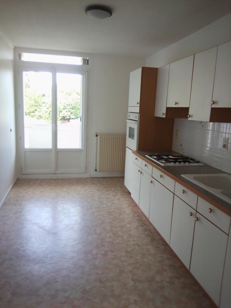De particulier à particulier, appartement, de 65m² à Saint-Boès