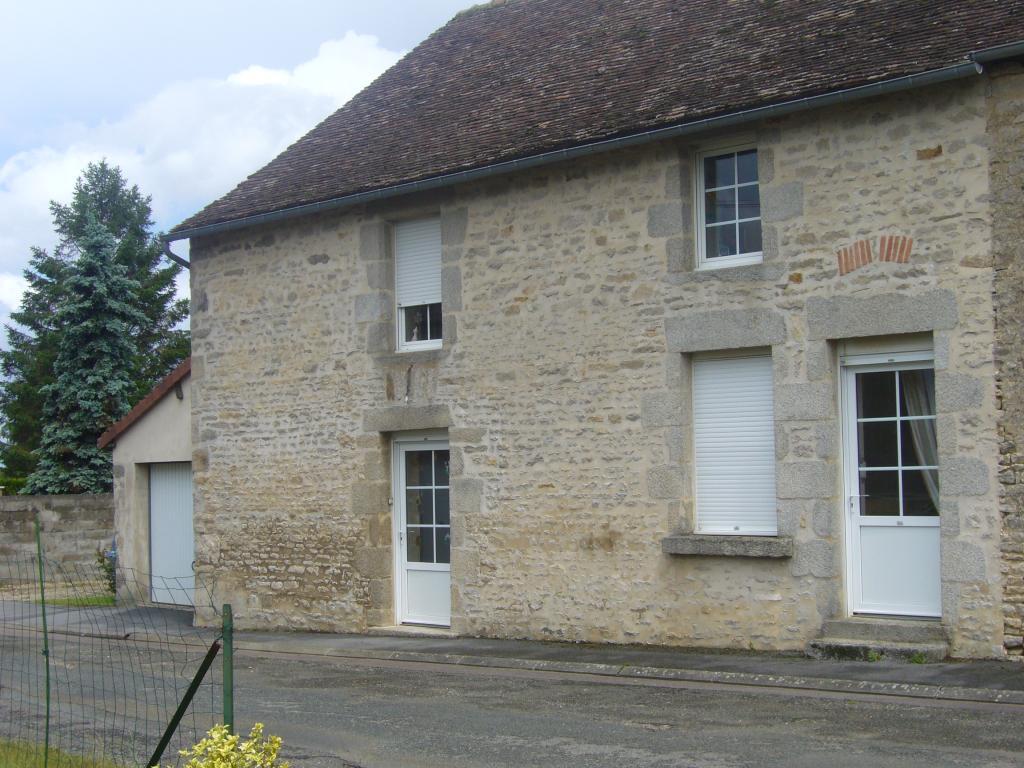 Location particulier à particulier, maison, de 110m² à Lignières-la-Carelle